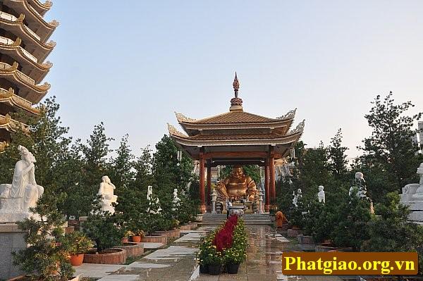 Phap vien Minh Dang Quang 4a